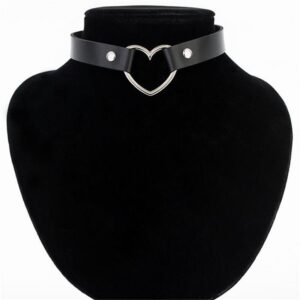 Meajoe-Trendy-Sexy-Punk-Gothic-Leather-Heart-Studded-Choker-Necklace-Vintage-Charm-Round-Collar-Necklaces-Women.jpg